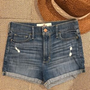 Like New • Hollister • High Rise Jean Shorts